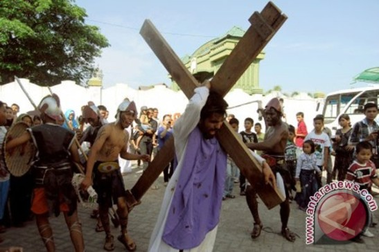 Jalan salib (the road passed by the cross) in Aceh. Copyright: Antara News