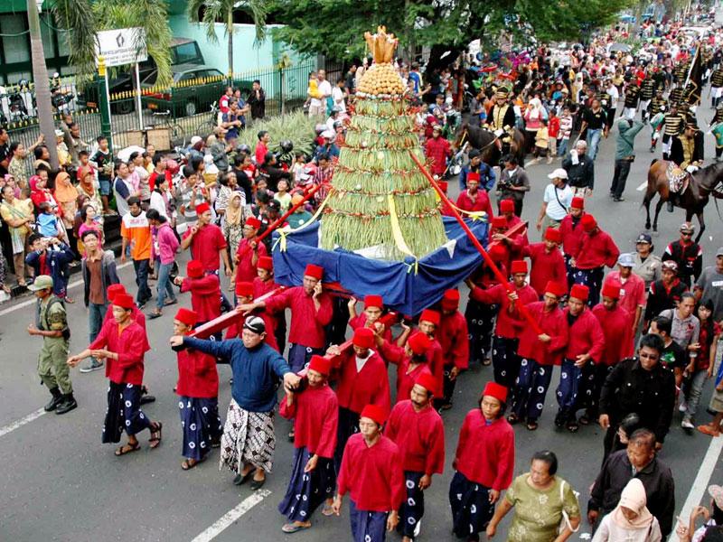 Maulid Celebration in Jogjakarta. Borrowed from opiq10.wordpress.com