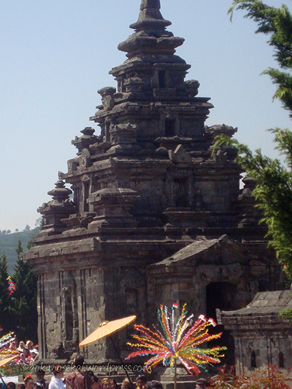 Indonesia Banget 37: Dieng Culture Festival – Kids with Dreadlocks  Polychrome Interest