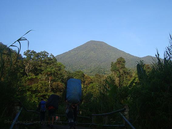 Mount Pangrango seen from the bridge